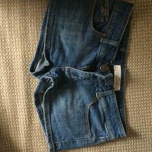 O'Neil size 7 jean shorts